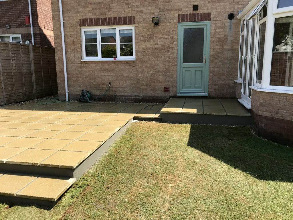 local-patio-installtion-landscape-garden-company-south-brent